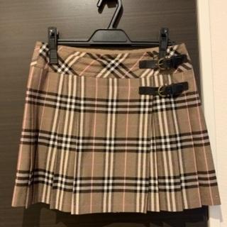 Burberryのスカート