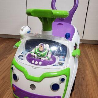 【バズの乗用玩具】 こども用車🎵バズの人形が左右に動く!音がなる...