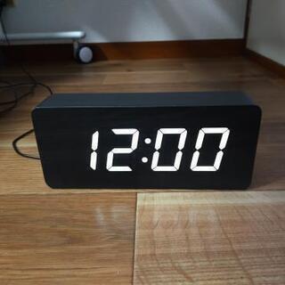 【無料!】木目調のシンプルな置時計・ブラック(アラーム機能なし)