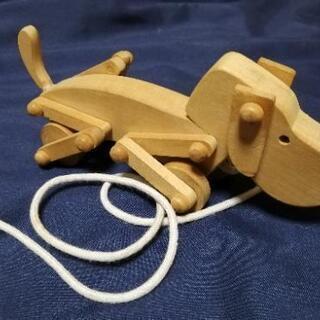 木のおもちゃ 犬