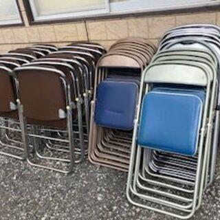 折り畳み椅子・折り畳みパイプ椅子  32脚