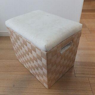 《ニトリ》BOX椅子