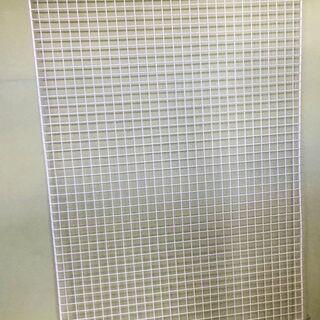 ワイヤーネット メッシュパネル 白色 90㎝×180㎝  1000円