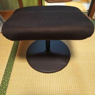 ニトリのパーソナルチェア(Ꭰメッシュ ᎠᗷᎡ)の足掛け (新品) − 兵庫県