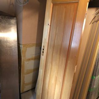 扉、ドア 3枚あげます^_^DIYや店舗内装に