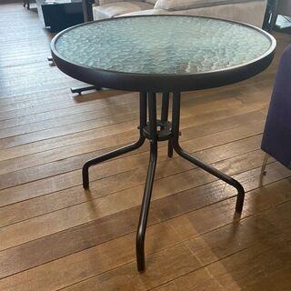 丸ガラステーブル!通常価格2万円ヲ2980円で販売します!…