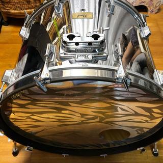 Pearl FX(ファイバーグラスシェル)バスドラム  24×1...