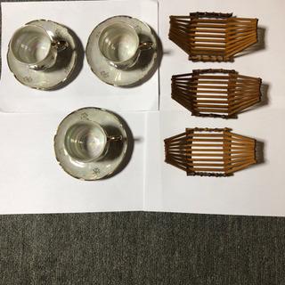 コーヒーカップ、皿の3セット 竹製おしぼり置き3個
