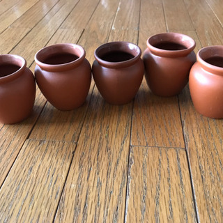 茶色の小壺