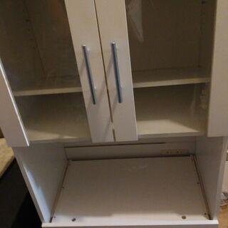 白の小さめの食器棚!キッチン収納★電子レンジ台①(コンセントあり...