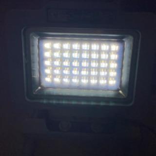 LED照明 コンパクトで明るい! - 家電