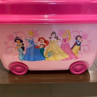 【無料】ディズニー プリンセス プラスチックケース譲ります - 家具