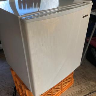 小型冷蔵庫を無料で差し上げます!(中古品)