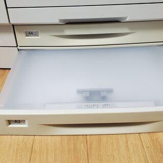 A3対応モノクロレーザープリンター - パソコン
