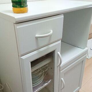 レンジテーブル 食器棚付き