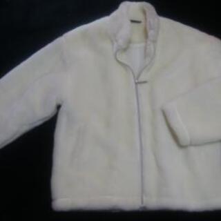 白のふわふわジャケット《値下げしました。》