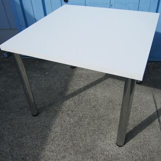会議テーブル 900mm角 ホワイト 4本脚