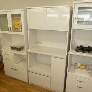 k1☆食器棚・レンジボード☆ブルモーション機能+モイス板付き☆幅890㎜☆近隣配達、設置可能の画像
