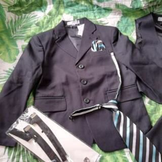 120㎝ 男の子スーツ 入学式 七五三 新品未使用です 双子の画像