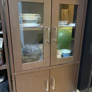 【急募】食器棚 無償で譲ります。