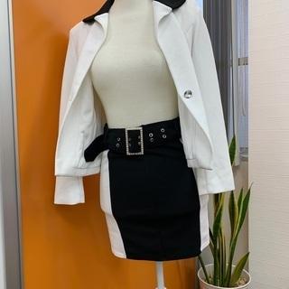 おしゃれな白✖️黒スーツ