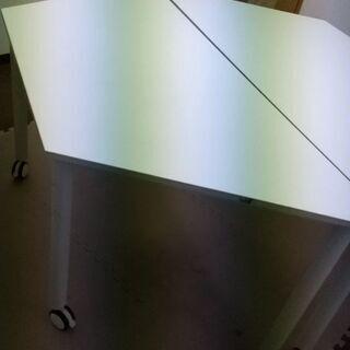 【ネット決済】六角形になる台形の机2台!