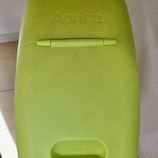 Aprica製オムツ用ゴミ箱