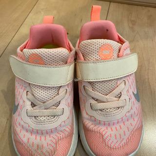 NIKE 女の子 運動靴