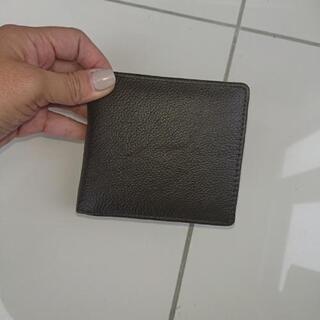 新品 メンズ二つ折り財布