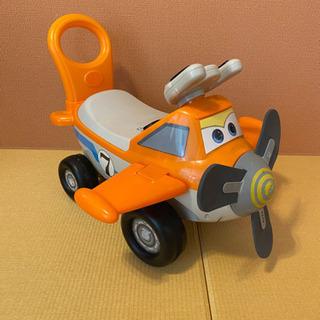 ☆プレーンズ カーズ 足蹴り車 4輪車 乗用玩具 のりもの