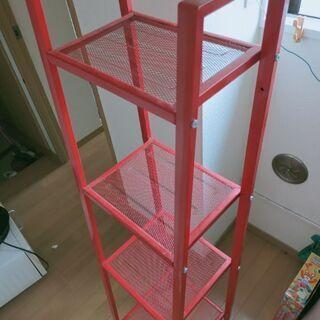 赤い物置棚