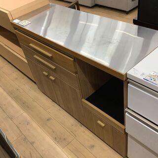スタイリッシュなデザインの無垢材のキッチンカウンターのご紹介!