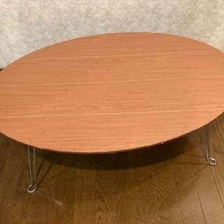 楕円折り畳み式テーブルの画像