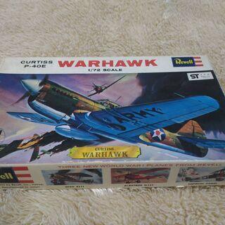プラモデル カーチス P-40E ウォーホーク 1/72 【アン...