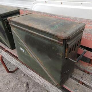 アーモ缶 米軍放出品 大きめサイズの画像