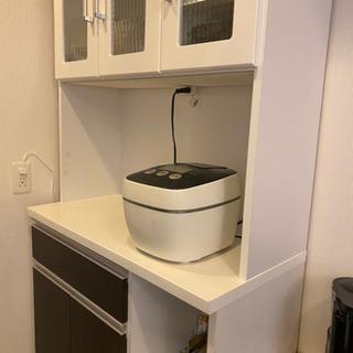 美品の食器棚が格安です!