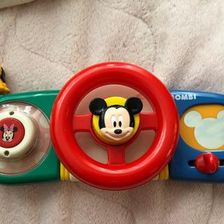 ベビーカーに取り付けて遊ぶハンドルおもちゃ