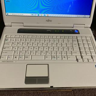 【ネット決済】FUJITSU  NF/E30 ノートパソコン