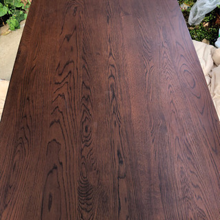 重厚なダイニングテーブルです。しっかりした品物なので、会議用とし...