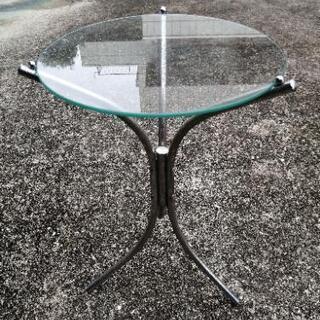 ガラス製花台