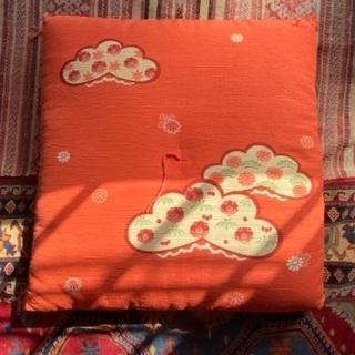 梅模様の座布団五つセット
