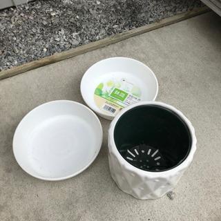 大きめダストボックスと、鉢皿、植木ポットのセット - 川口市