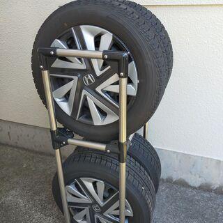 スタドレス・スチールホイール4本セット&タイヤラック