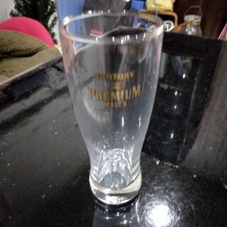 6個で400円。箱入り未使用サントリービール工場のグラス