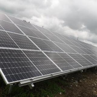 太陽光パネル電気工事できる方