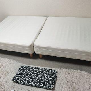 脚付き 一体型 シングルベッドの画像