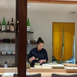 寿司屋のホールリーダー