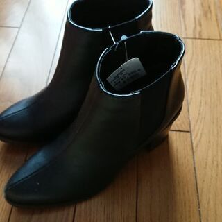 新品ブーツM