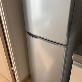 『値下げ』現役活躍中【2017年製】冷蔵庫シャープ製118…
