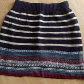 ニット  トレッキングに最適なスカート
